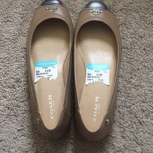 Authentic Coach flat shoes ( Chelsea May Calf)